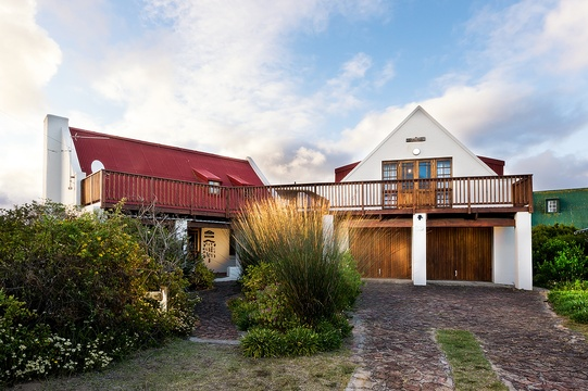 self catering beach cottage accommodation at Boggomsbaai near Mossel Bay