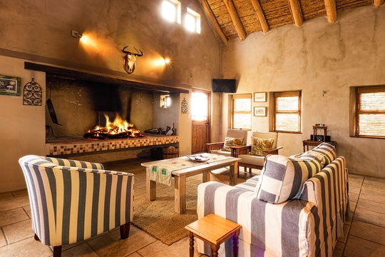 Self catering cottage accommodation with a fireplace in Boggomsbaai near Mossel Bay
